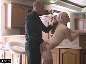 Blonde Eurobabe tasting cum