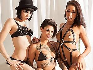 Punks lesbian orgy. Tattoos and wet pussy # 5