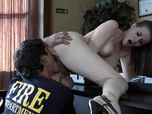 Raven Alexis gets boinked in the office