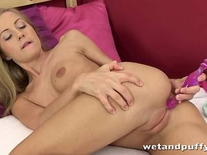 Teen Sicilia uses her wand to rub her tight pussy